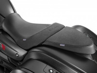 31-mgx-21-rider-and-passenger-comfort-saddle